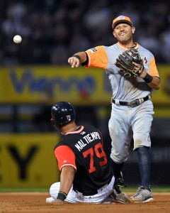 Aug 26, 2017; Chicago, IL, USA; Detroit Tigers second baseman Ian Kinsler (3) attempts a double play after getting Chicago White Sox first baseman Jose Abreu (79) out during the fourth inning at Guaranteed Rate Field. Mandatory Credit: Patrick Gorski-USA TODAY Sports