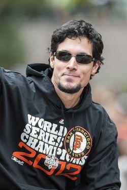 Giants Sign Javier Lopez